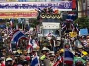 泰国加强示威集会地点的安全保卫