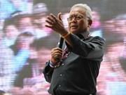 泰国刑事法院批准缉拿素帖的逮捕令