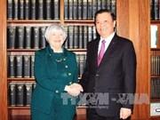 越南财政部部长会见美国联邦储备银行主席