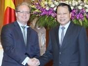 越南政府副总理武文宁会见世界银行副主席