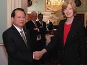 越南政府副总理武文宁会见伦敦金融城市长