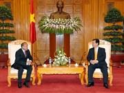 阮晋勇总理会见哈萨克斯坦驻越大使
