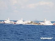 现场报道:中国船舰继续拦阻越南渔船