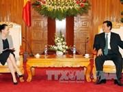 阮晋勇总理会见英国和波兰驻越大使