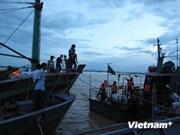 海上遇险的QB92729TS渔船被牵引回港