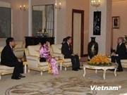 柬埔寨国王和首相分别会见即将离任的越南驻柬大使