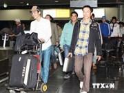 在利比亚工作的越南劳动者等待回国