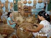 300多个展位参加第10届越南手工艺村展销会