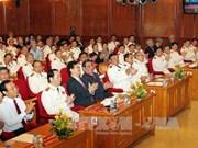 越南政府总理出席庆祝越南人民公安力量传统日见面会