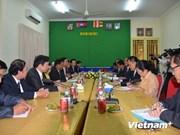 越南民族委员会代表团访问柬埔寨