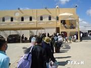 越南劳动者通过陆路撤离利比亚