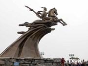 庆祝越南首都河内解放60周年:荣圣金像公众于世