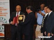 越南与南非加强民族工作合作