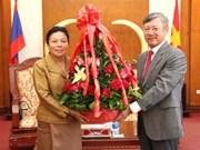 老挝代表团前往越南驻老挝大使馆庆祝越南国庆69周年