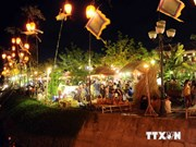 世界文化遗产-会安古城举行庆祝中秋节的许多活动