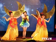 旅居外国越南儿童欢度中秋节