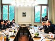 越南国会代表团对奥地利共合作进行工作访问