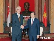 越南国家主席张晋创会见新加坡前总理吴作栋