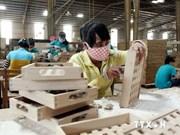 越南同奈省努力扩大木器出口市场