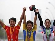 越南两位自行车与田径女运动员同获银牌