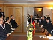 阮富仲总书记会见越南驻釜山名誉领事