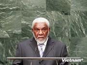 瓦努阿图总理乔·纳图曼抵达河内开始对越南访问