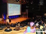 """越通社Le Courrier du Việt Nam参加在加拿大举行的""""法语新闻媒体展望""""国际论坛"""