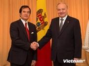 越南驻摩尔多瓦大使阮明智向摩国总统递交国书