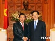 越南政府总理阮晋勇会见老挝政府副总理本邦•布达纳冯