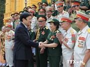 越南国家主席张晋创接见北中南三部的精锐老战士代表