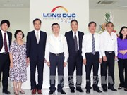 越南国家主席张晋创视察同奈省隆德工业区