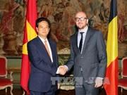 越南政府总理阮晋勇与比利时首相举行会谈