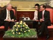 河内市委书记范光毅会见美国国务院高级顾问