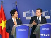 越南政府总理阮晋勇:越南希望推动与欧盟全面合作伙伴关系