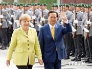 越南政府总理阮晋勇与德国总理举行会谈