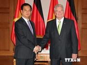 越南政府总理阮晋勇会见德国联邦总统