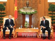 越南政府副总理阮春福会见俄罗斯科学家代表团