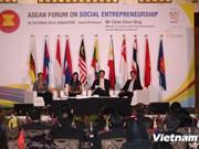 越南代表团出席东盟社会企业论坛