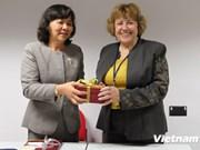 越南中央司法改革指导委员会代表团对英国进行工作访问