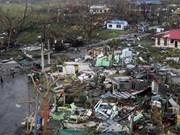 """菲律宾总统视察台风""""海燕""""灾区重建工作"""