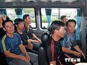 在新加坡附近海域遇难的9名越南水手已安全回国
