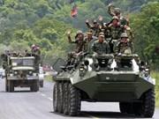柬埔寨军队举行实弹演习