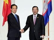 越南政府总理阮晋勇会见柬埔寨首相洪森