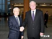 越共中央总书记与白俄罗斯总理举行会晤