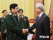 越南国防部长冯光青大将会见韩国驻越南大使准大柱