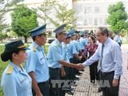 阮善仁同志访问空军军官学校