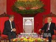 越共中央总书记阮富仲会见俄罗斯驻越大使