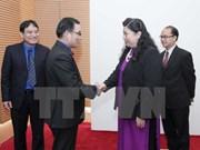 越南国会副主席丛氏放会见老柬两国客人