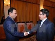 越南政府副总理范平明会见阿联酋和智利驻越大使
