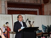 越南政府副总理阮春福出席越南阿联酋商业领袖论坛